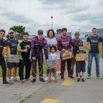 A equipe Ramos Racing em parceria com a APK doou 30 brainquedos para o Instituto Ama.