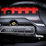 O motor 2.5 TFSI entrega 400 cv de potência.