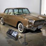 sedã Datsun 1000, de 1957.