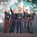 Martin Daum e os representantes do projeto vencedor da planta de São Bernardo do Campo.