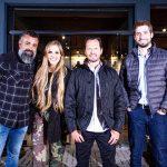 Cezinha Mocelin idealizador do BMS Motorcycle e os sócios da Royal Enfield Curitiba, Bruna Wladyka, Fabiano Cantele e Alexandre Zornig.