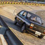 Primeira unidade do Fiat 147 a etanol na pista de teste do Polo Fiat.