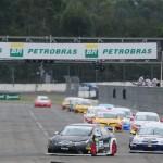 Largada da segunda corrida da Copa Petrobras de Marcas no Velopark.