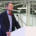 O Prof. Dr. Christopher Kopper, da Universidade de Bielefeld, apresentou os resultados de sua pesquisa histórica.
