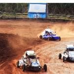 A categoria Mini Fórmula testa a habilidade dos pilotos na terra.