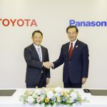 Parceria Toyota e Panasonic para o desenvolvimento de baterias para carros elétricos.