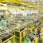 Interior da fábrica da Dunlop Pneus do Brasil.