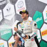 Pedro Boesel comemora vitória na primeira corrida em Viamão.