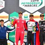Pódio da 2.ª corrida com Thiago Klein, Nonô Figueiredo e Thiago Marques.