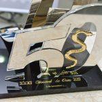 Detalhe do troféu Cascavel de Ouro, reservado aos vencedores da edição história de 5 de novembro.