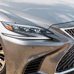 """O design único da grade dianteira estilo """"Spindle Grill"""" é o resultado de intenso desenvolvimento e ajuste manual de milhares de superfícies individuais."""
