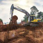 Escavadeira Volvo EC200D.