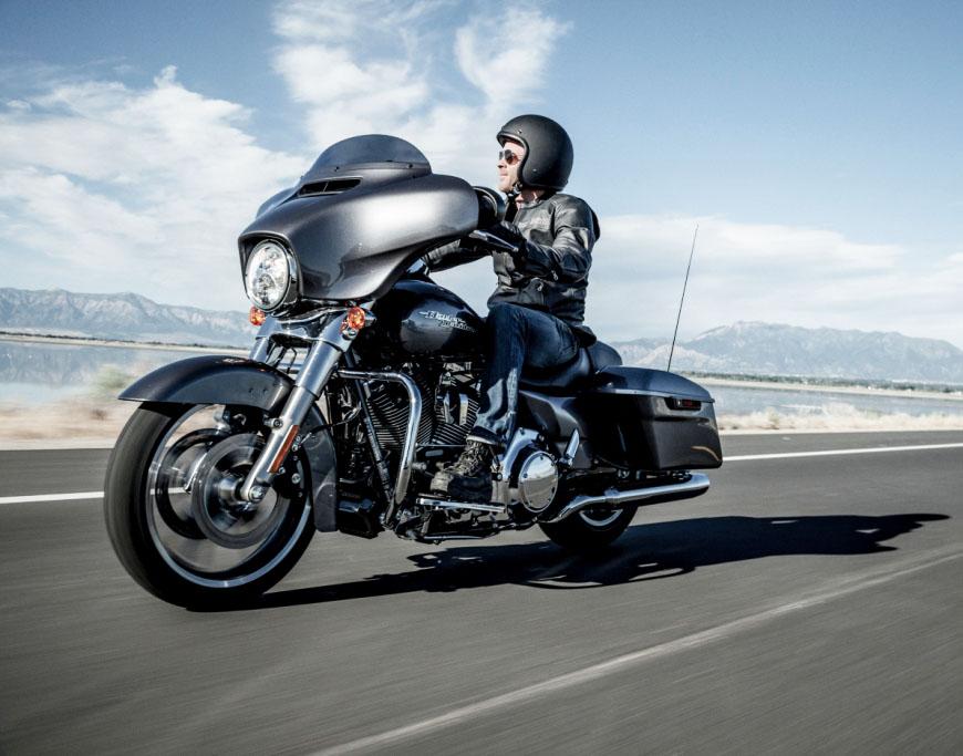 V-Rod Muscle: Harley-Davidson feita para acelerar e