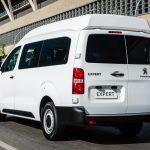 Peugeot Expert Minibus.
