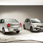 Família Platinum, comercializada com isenções por R$ 51.737,70 na versão hatchbach e 54.436,92 na opção sedã.